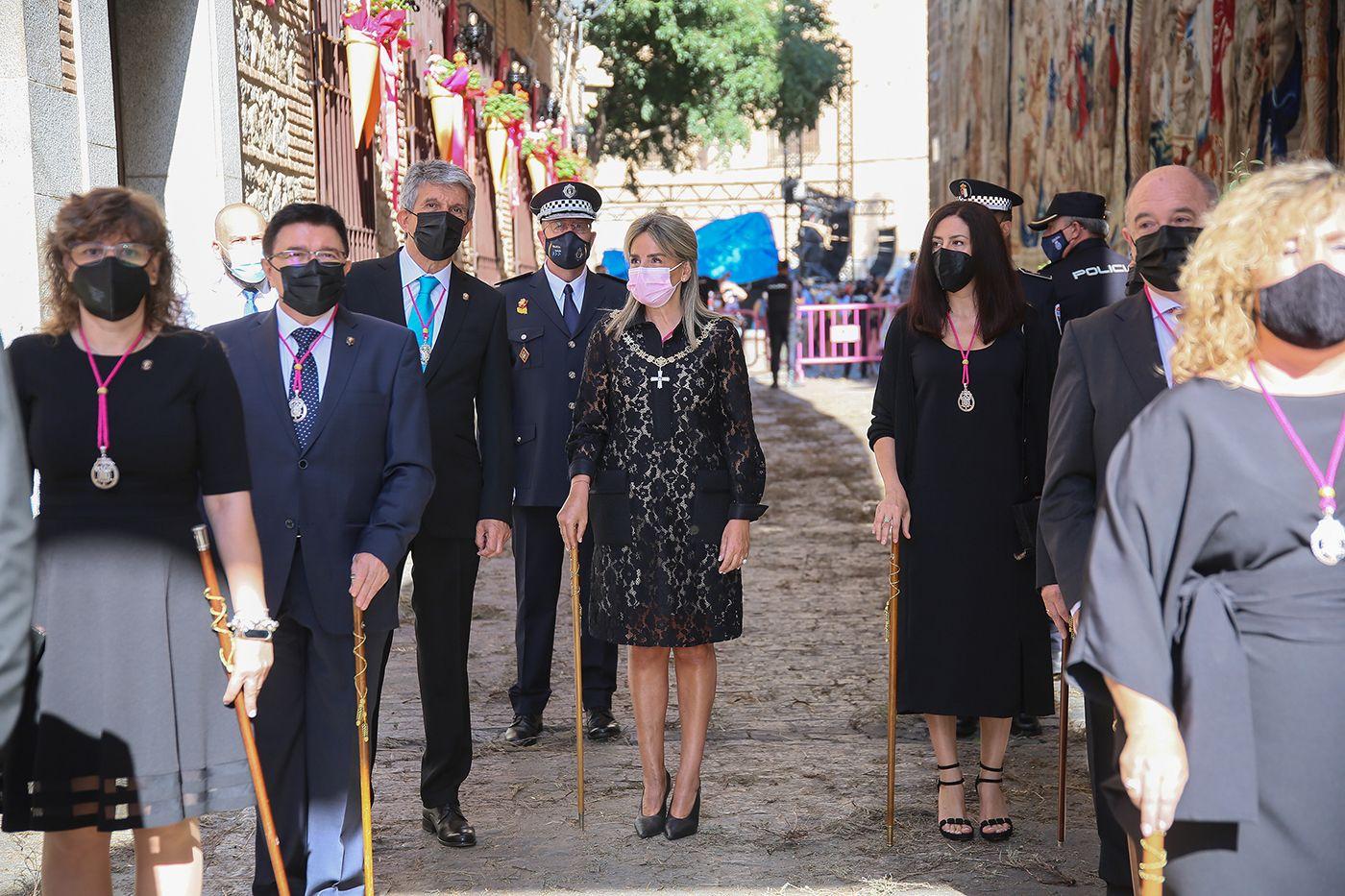 La alcaldesa participa en un Corpus Christi que retoma la procesión eucarística adaptada a la situación sanitaria