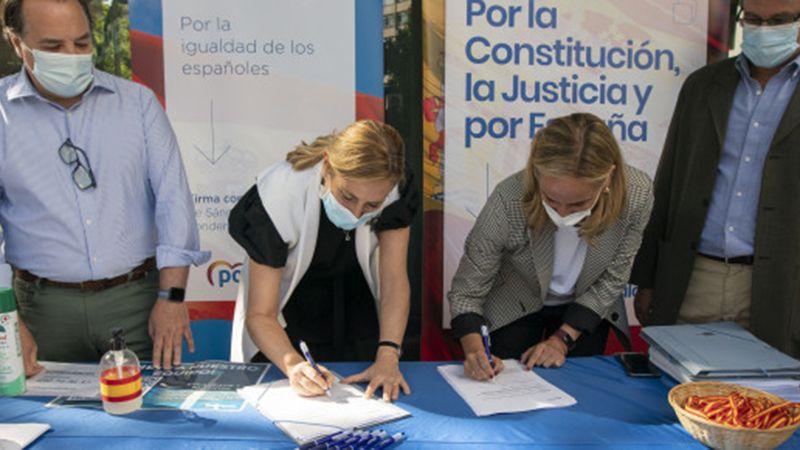 beltran_y_camins_recogida_de_firma_contra_indultos